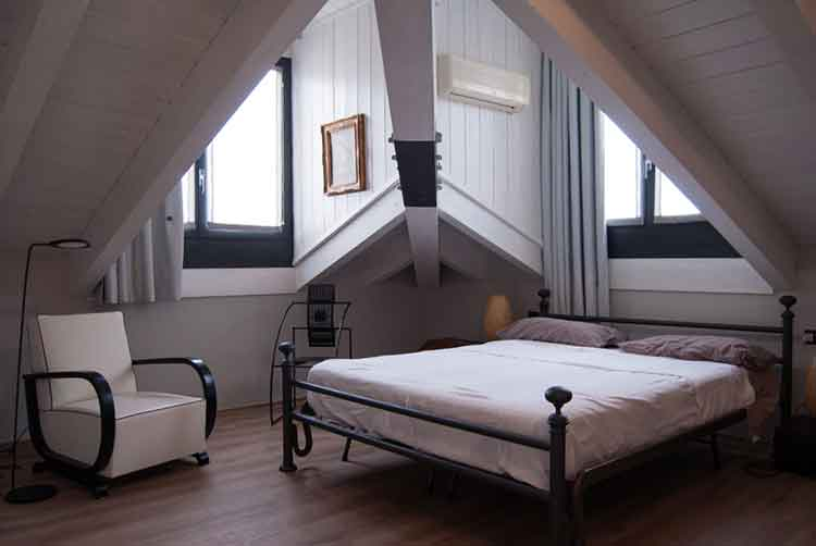 6 Dreamy Ideas for Custom Homes Attic Renovation